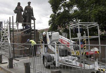 Мэр Вильнюса не прочь отдать России демонтированные в Литве советские скульптуры, но в обмен на ценности