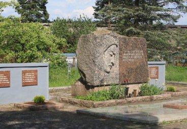 Псковские студенты обустраивают советские военные захоронения в Литве