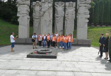 В Литве экспедиция молодежи РФ обустраивает захоронения советских воинов